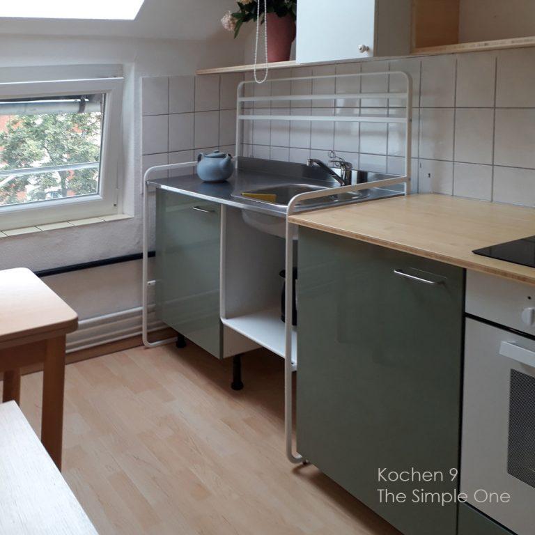 Tiny Kitchen Küche Herd Arbeitsplatte Massivholzküche schöne Fronten