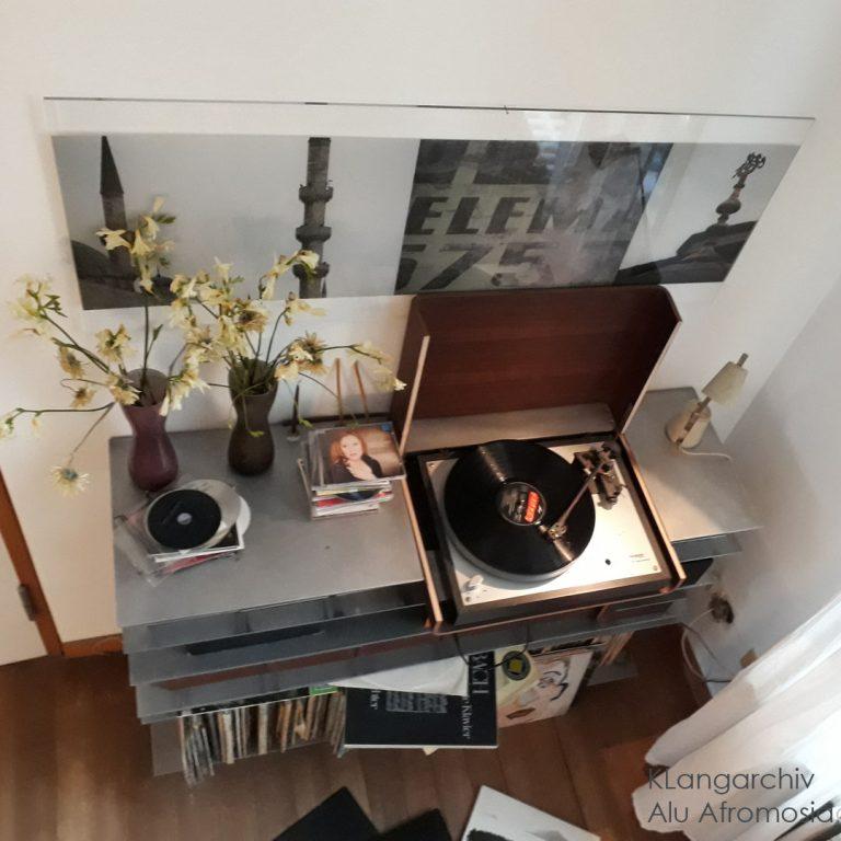 Schallplattenregal Musikarchiv Aluminium gekantet